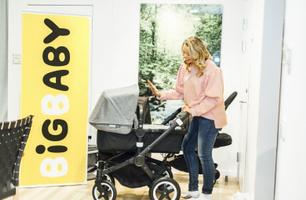 """Vi köper barnvagn"""