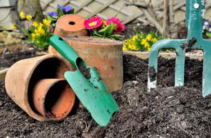 Inredning & Trägård