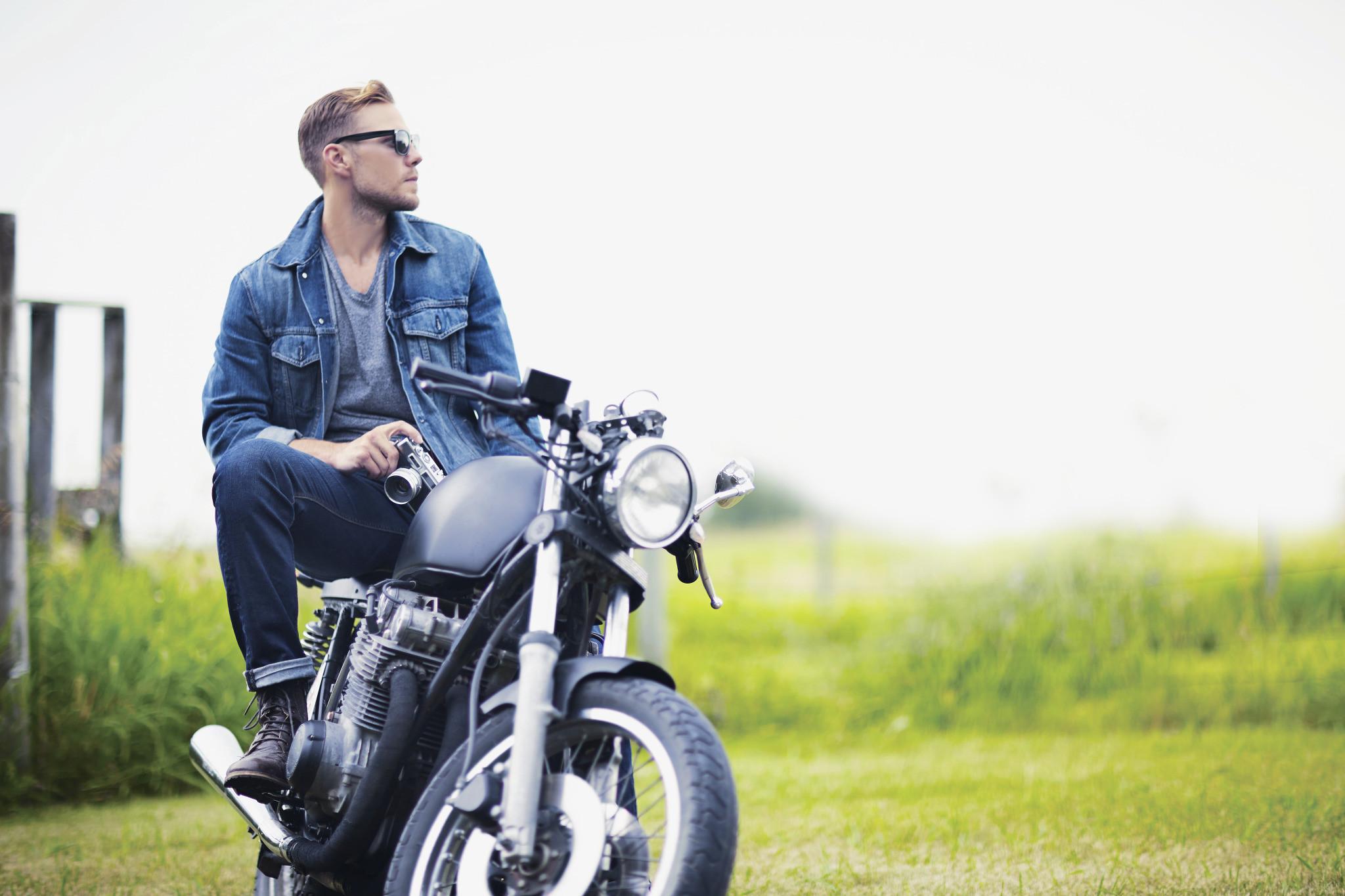 Motorcykler og tilbehør